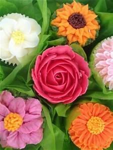 Top Buttercream Flowers - CakeCentral com