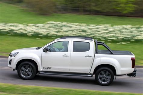 Isuzu D Max Picture by Isuzu D Max Pictures Carbuyer