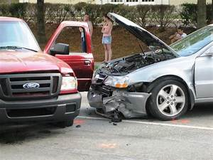 Houston Car Accident Attorney for Damage Recovery | Yaziji Law