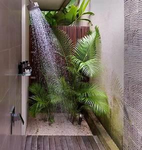 Fausse Plante Verte : et si on d corait la salle de bain avec des plantes floriane lemari ~ Teatrodelosmanantiales.com Idées de Décoration