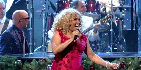 Darlene Love Sings 'christmas (baby Please Come Home)' For