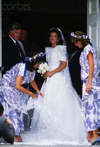 Caroline kennedy schlossberg wedding photos for Caroline kennedy wedding dress