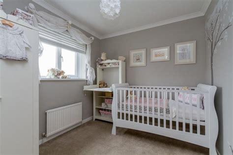 chambre b b grise et blanche décoration chambre bébé en 30 idées créatives pour les murs