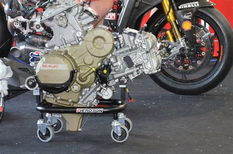 1199 #panigale Engine Trolley #ducati #ducatisuperbike