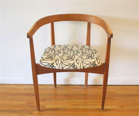 Mid Century Modern Arm Chairs Mahogany Chiavari Chairs Wedding Amazon Bean Bag Desk Chair Ikea Sling Lite Gold Velvet Turquoise Dining Trex Rocking Slipper Covers