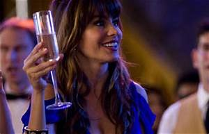Movie Review: New Year's Eve (2011) starring Michelle ...