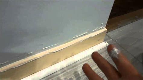 fill   gap   wall  baseboard