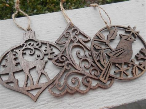 set   wood ornaments laser cut reindeer cardinal