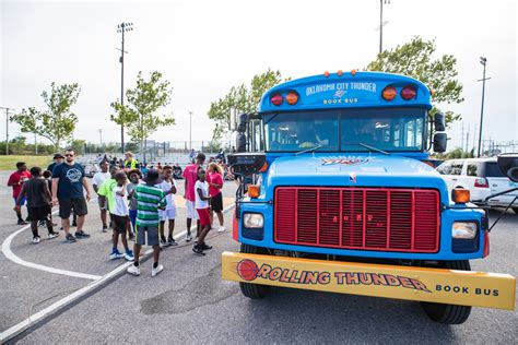 Rolling Thunder Book Bus