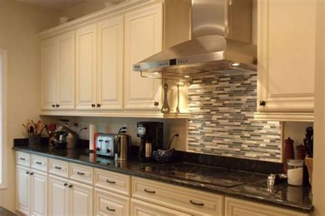 grey kitchens cabinets 124 best for the home paint images on 1507