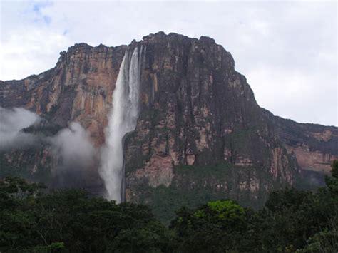 animals zoo park angel falls  venezuela pictures