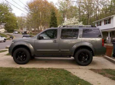 lifted nissan frontier white nissan pathfinder lift 285 75 16 duratracs photos