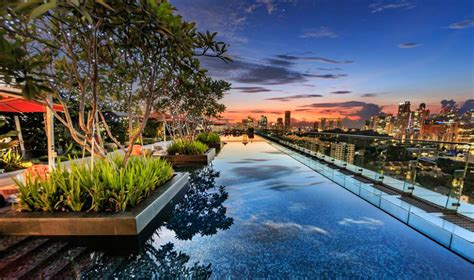 swimming pools  singapore  star hotels    infinity rooftop  outdoor pools