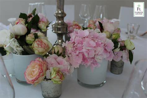 Blumen Hochzeit Dekorationsideenrosen Hochzeit Dekoration by Sommerliche Dekoration Einer Hochzeit Auf Schloss Gartop
