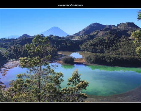 telaga warna dieng pemburu foto alam