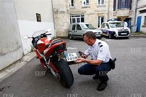 Plaque D Immatriculation Anti Radar : faits divers un motard mi chemin entre james bond et mac gyver ~ Maxctalentgroup.com Avis de Voitures