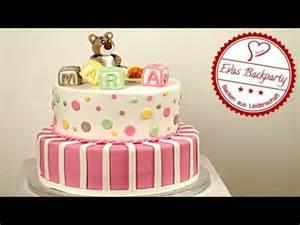 hochzeitstorte backen einfache babyshower torte torten zur babyparty mit fondant rüscheneffekt torte kuchenfee