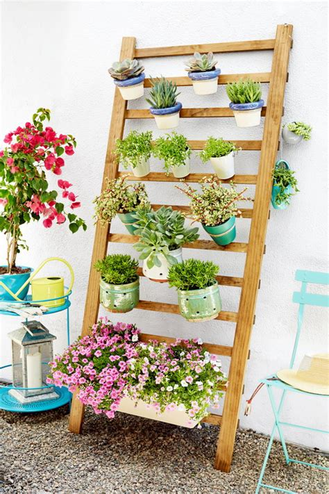 Vertical Garden Tutorial by 30 Cool Indoor And Outdoor Vertical Garden Ideas 2017