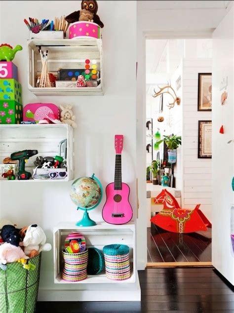 chambre jouet awesome etagere cagette dans une chambre enfant fille