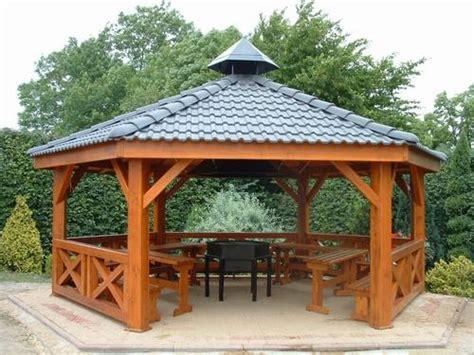 tonnelle en bois comment choisir sa tonnelle de jardin fontaine de jardin