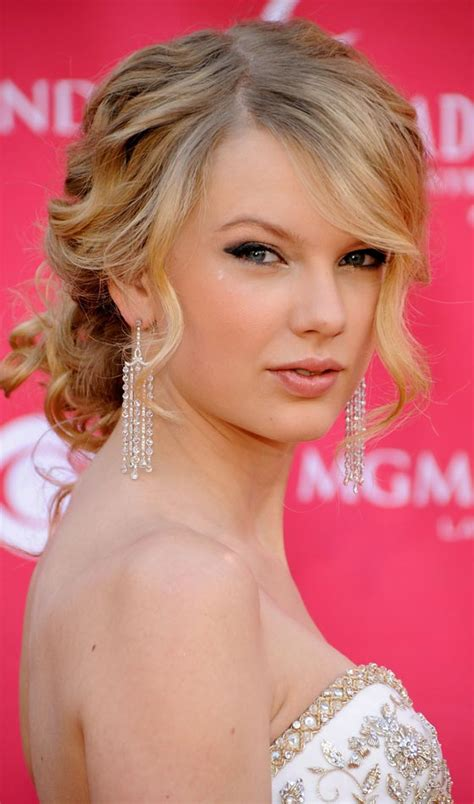 10 updos for curly hair