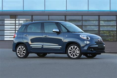 Fiat Wagon by 2018 Fiat 500l Wagon Pricing For Sale Edmunds