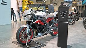 Street Triple 675 : 2015 triumph street triple 675rx mixes old and new at eicma 2014 live photos autoevolution ~ Medecine-chirurgie-esthetiques.com Avis de Voitures