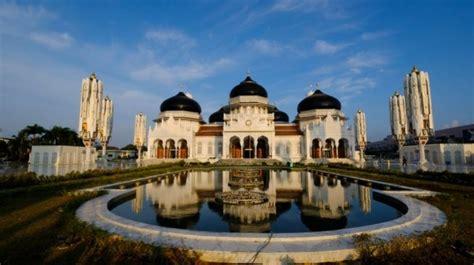 masjid  indah  indonesia  layak dikunjungi