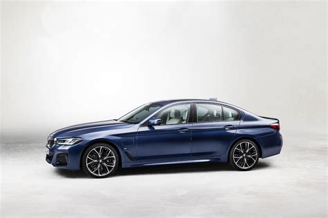 The bmw 5 series was redesigned for the 2017 model year. 2021 BMW 5 Series: Free Ultimate Reference Guide to This ...