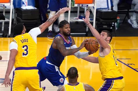 NBA: After Lakers' ring ceremony, champs fall to Clippers ...
