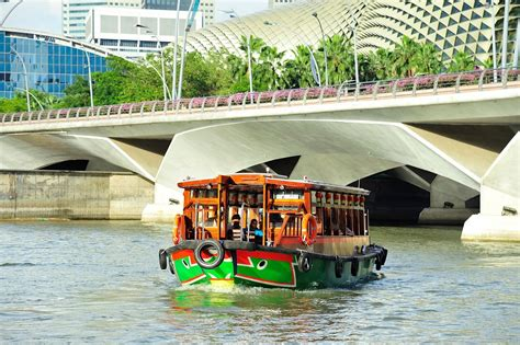 Boat Quay Ride by 10 Tourist Attractions You Must Visit In Singapore
