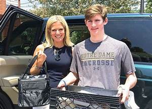 Fox News Channel's Martha MacCallum delivers Meals on ...