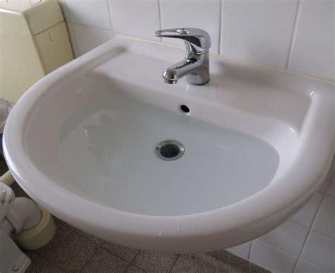 Waschbecken Läuft Nicht Ab quot das waschbecken das wasser l 228 uft nicht ab quot meininger