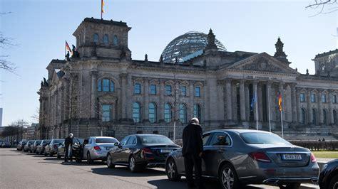 chauffeur berlin chauffeur berlin so k mpfte der chauffeur um j rgens