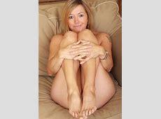Mature Sex Over Nude Susie