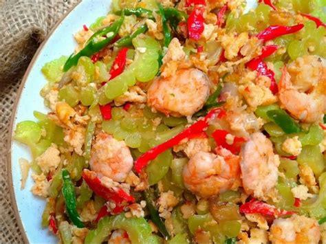 Fimela.com, jakarta pare bisa diolah dengan cara ditumis dengan tempe. Resep Pare Tumis Tahu dan Telur