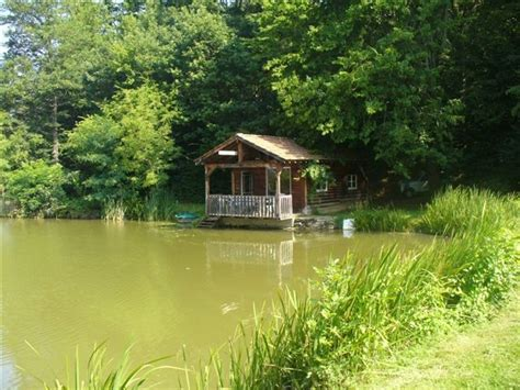 chambre d hote maurice location cabane dans les bois sur étang privé 8000m maurice lès châteauneuf 71740 saône