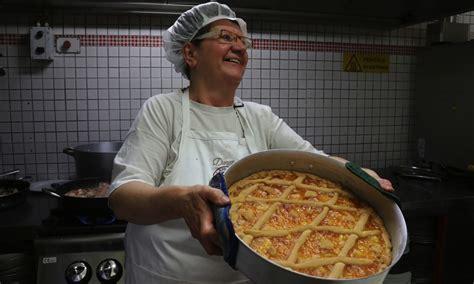 cooks tuscan women cook