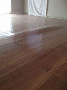How to get rid of moisture in hardwood flooring home for How to dry wet wood floor
