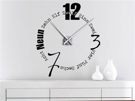 Große Uhr Wand by Wandtattoo Uhr Mit Buchstaben Und W 246 Rtern Bei Homesticker De