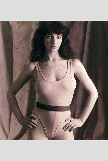 Lifestyles of the Nude and Famous: Lovely Kate Bush!