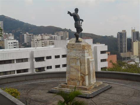 La alcaldía tiene que hacer efectiva la póliza para volver a. Esculturas de Colombia: Sebastián de Belalcázar - Vittorio ...