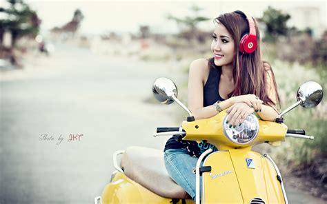 scooter vespa asian headphones wallpaper 2560x1600