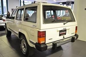 1987 Jeep Cherokee Laredo 84070 Miles White 4 0l Inline 6