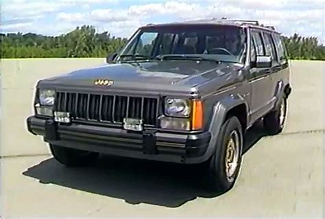 » 1989 Jeep Eagle Model Rolling Stock Footage