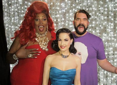Dita Von Teese Bares It All On 'Hey Qween' | HuffPost