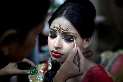 bangladesh child marriage  year  girls
