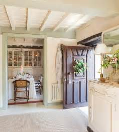 cottage home interiors country cottage with decor home bunch interior design ideas