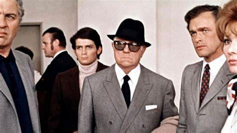 jean gabin le clan des siciliens les lunettes de soleil de jean gabin dans le clan des