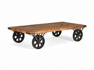 Couch Tisch Massiv Holz im industie Style auf Rollen Massivholzmöbel bei moebelshop68 de